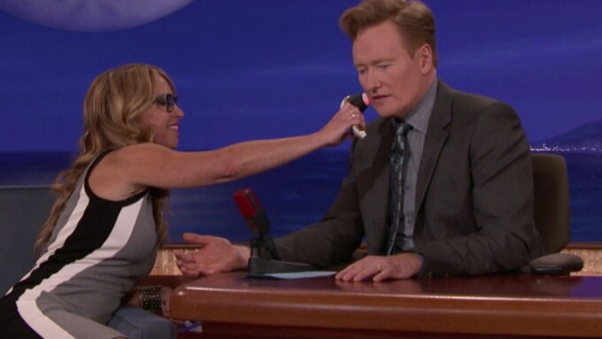 Conan O'Brien Gets Schooled on Womanizer Toys