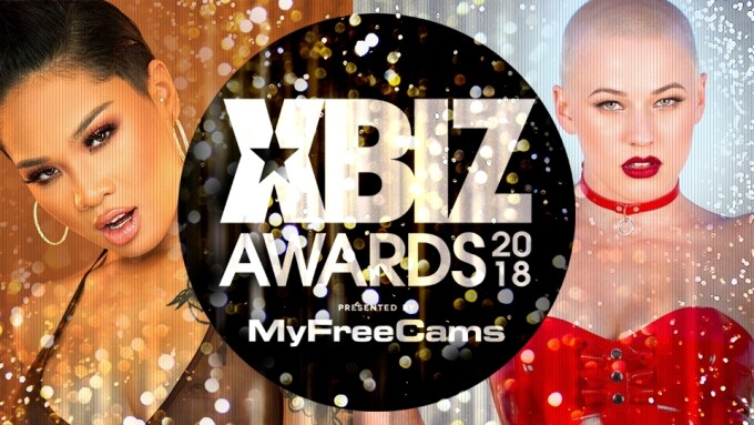 Honey Gold, Riley Nixon Named XBIZ Awards Trophy Girls