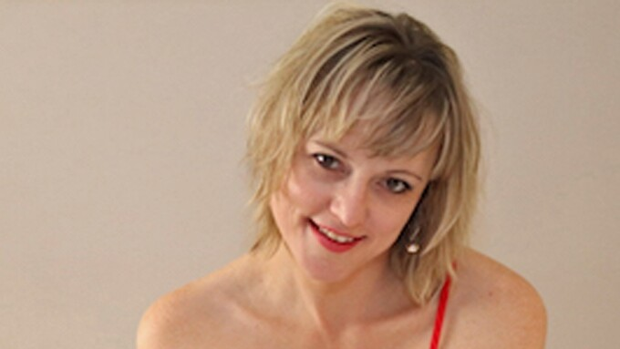 Lonestar Angel Voted January's Top VNALive Girl