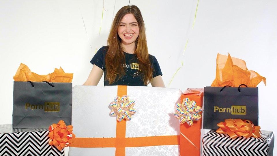 Modelhub Celebrates 1st Year With 100% Payout Promo for Models