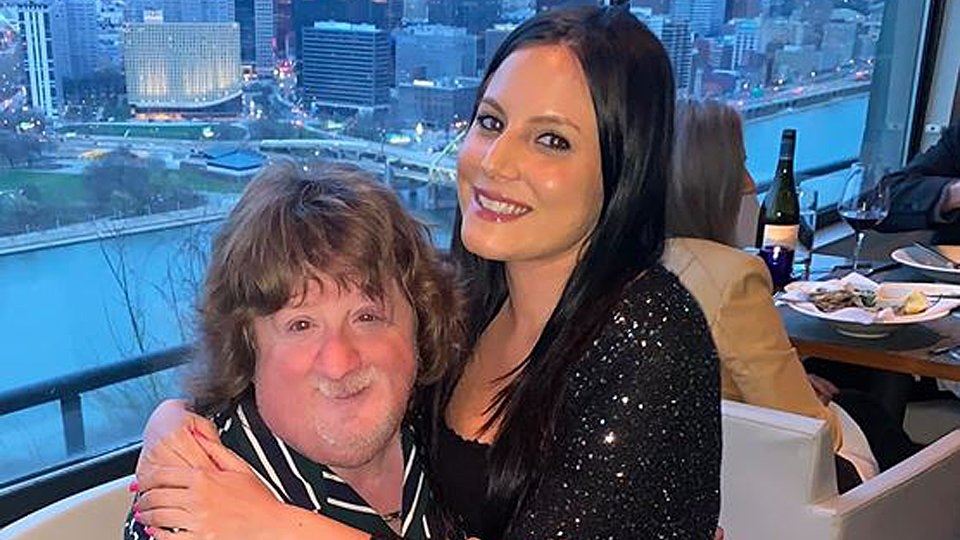 MV Star Sarah Russi, 70s TV Star Mason Reese Profiled in 'Love Don't Judge'