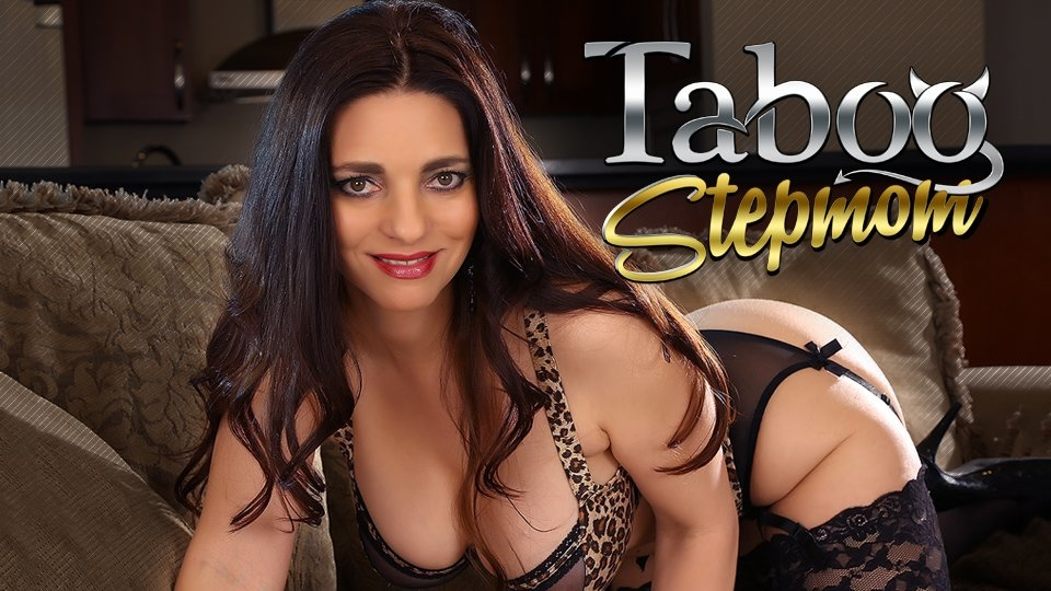 Pornstar Platinum Rolls Out TabooStepmom With Mindi Mink